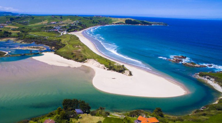 Imagen de la playa de Oyambre