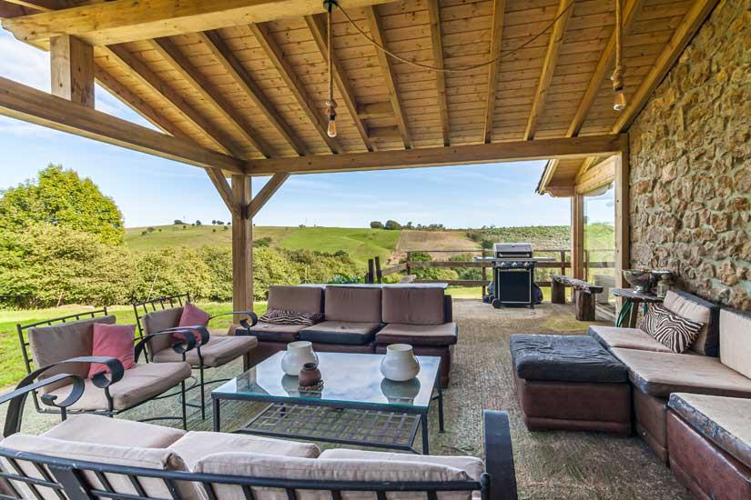 sala-de-estar-exterior-terraza-casuca-abanillas